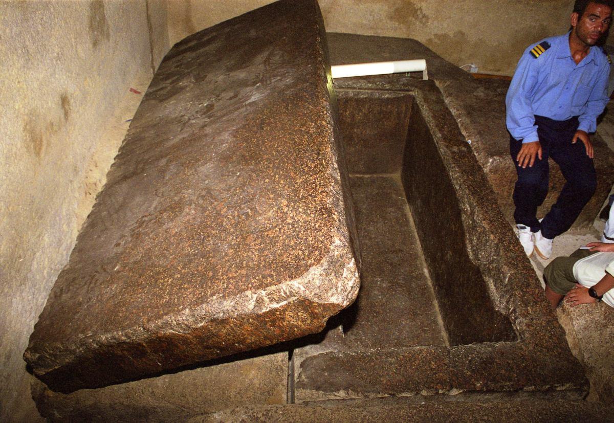 piramida-vnutri